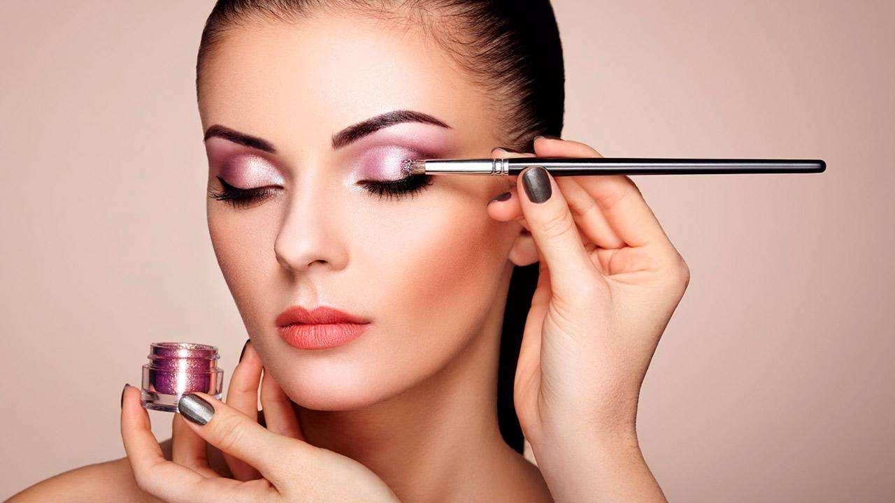 Aprenda a se maquiar com Olho de Borboleta