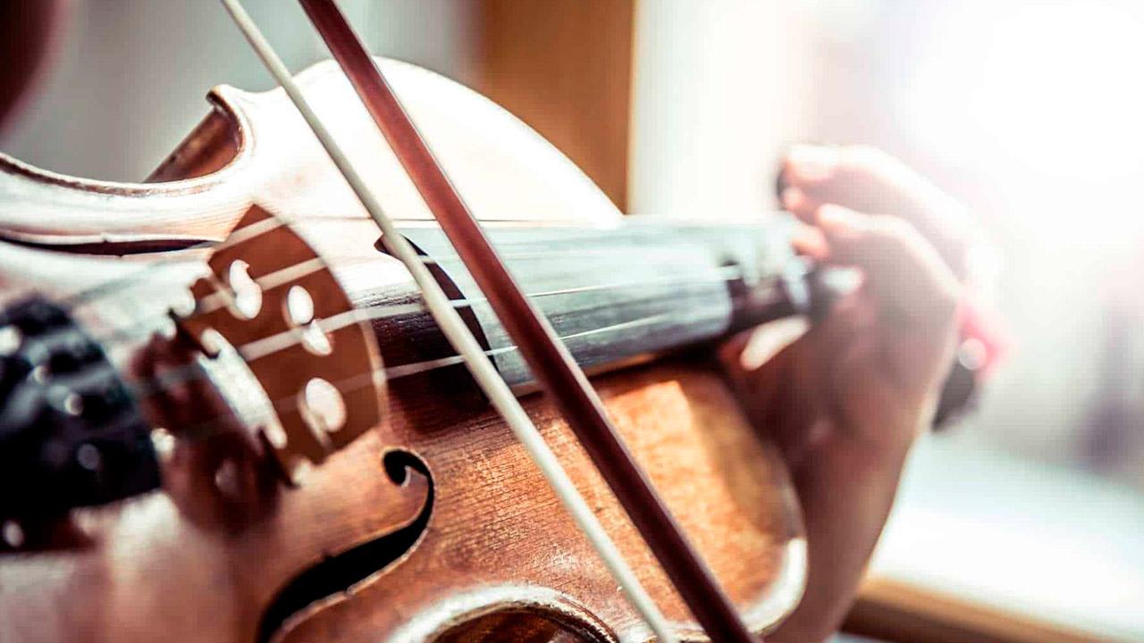 Tocando el violín